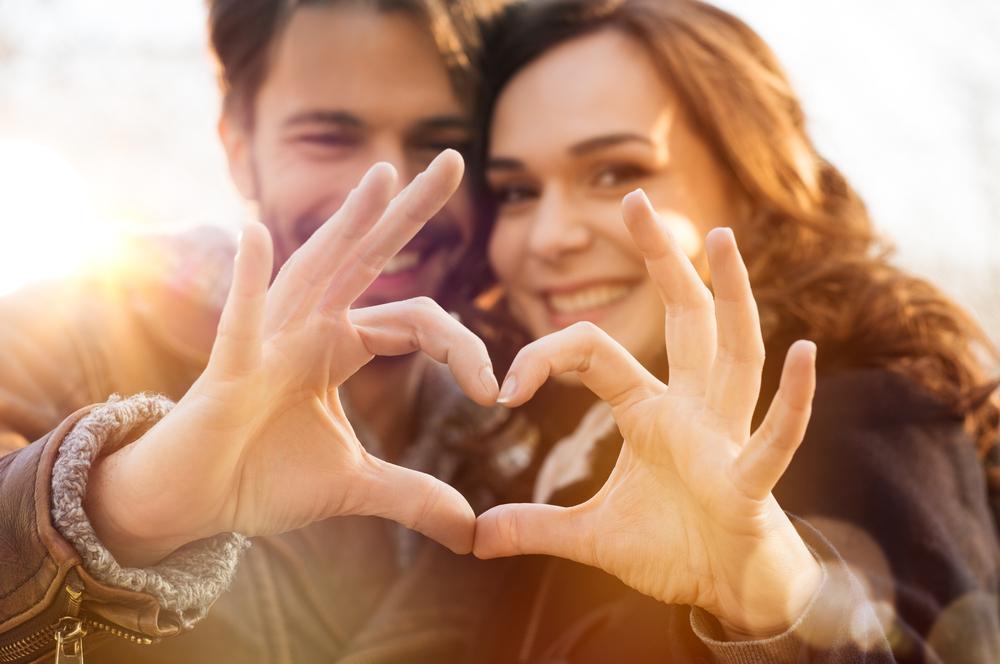 恋愛に慎重になる男性に自然と近づく方法とは?